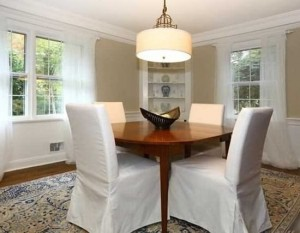 Dining room home staging design by Timeless Décor, Ridgewood, NJ 07450 | (201) 819-4466